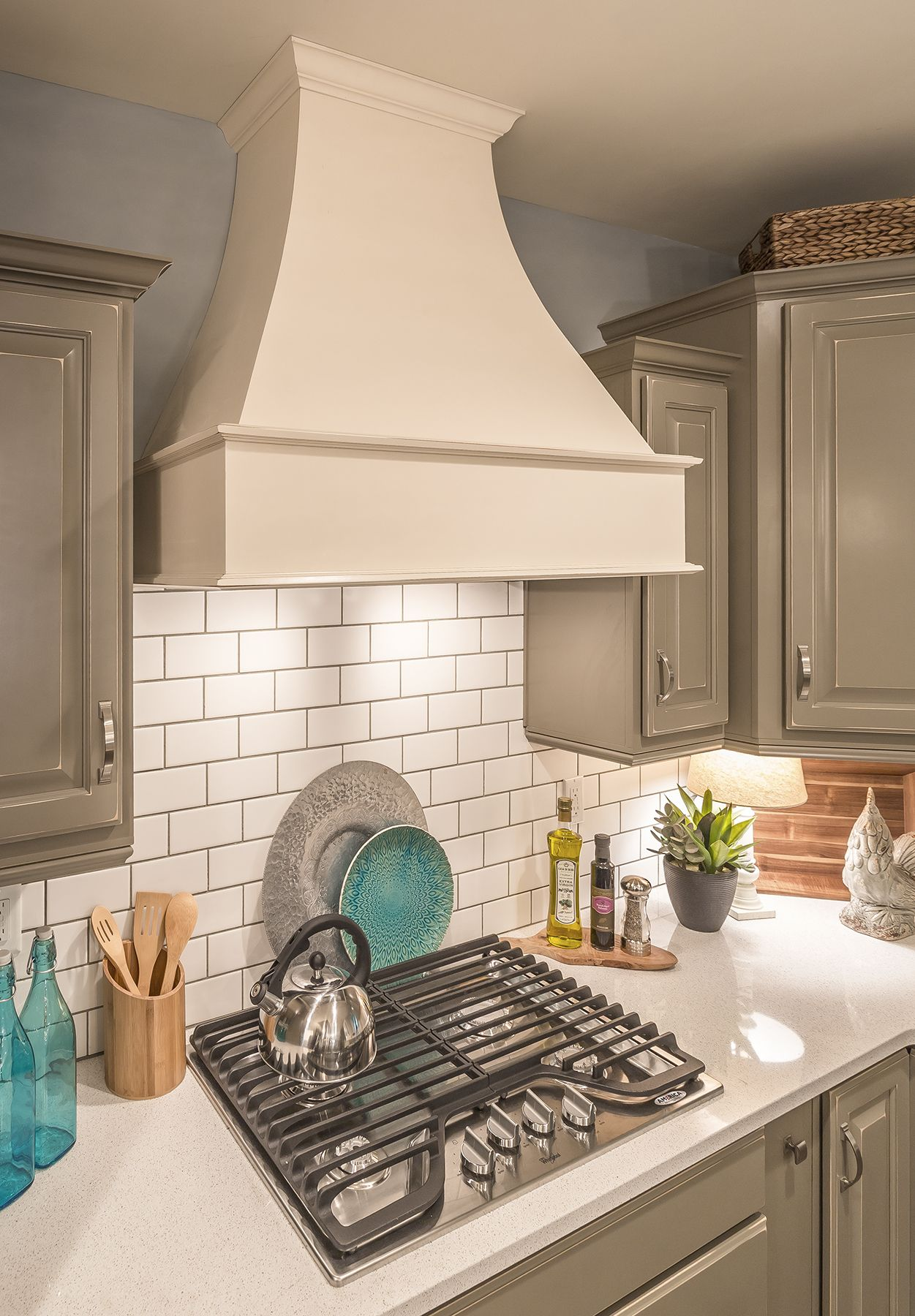 Artisan Range Hood From Legacycrafted Love The Color Combo Modular Homes Modular Home Manufacturers Tiny House Inspiration