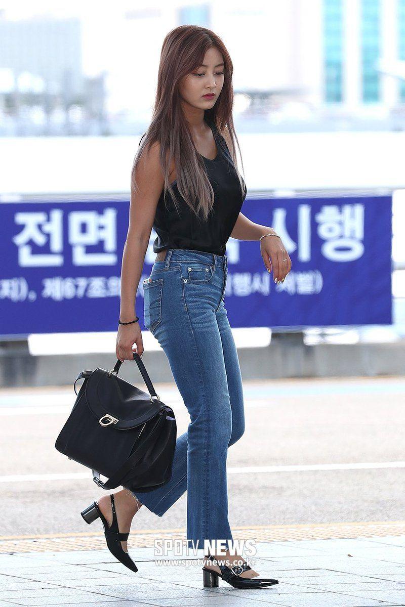 Imagini pentru Jihyo in jeans