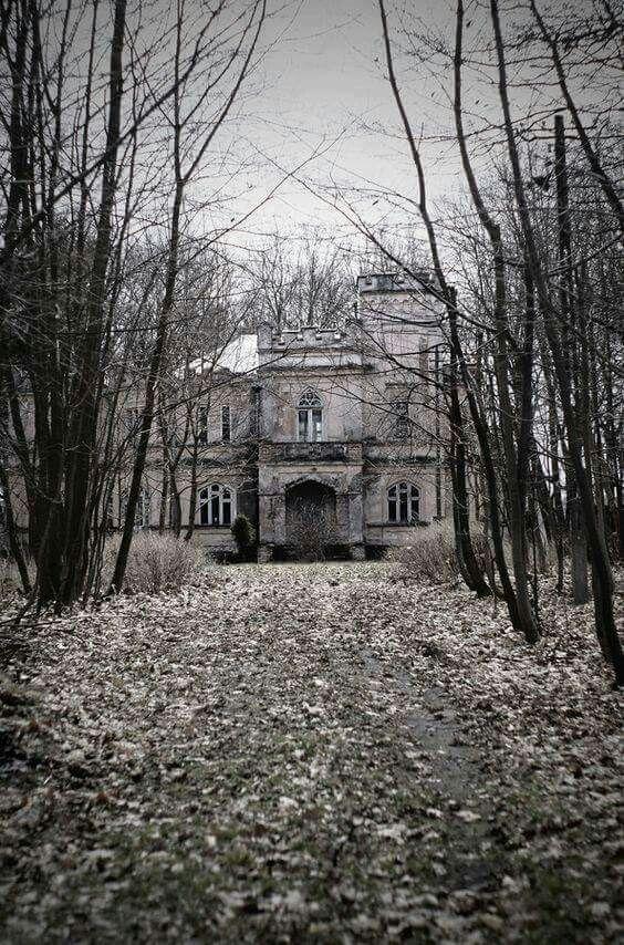 eerie abandoned mansion eerie strange abandoned in 2018