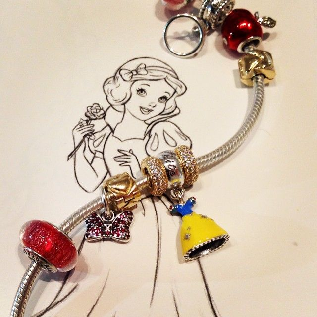 Pandora brand new Snow White Collection has arrived!! Come
