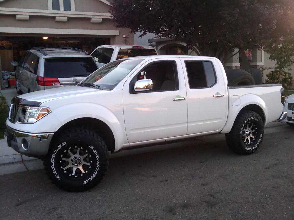 Nissan frontier lifted 4x4 trucks nissan 4x4 and nissan trucks 2007 nissan frontier 4x4 lifted google search vanachro Choice Image