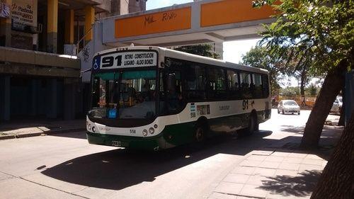Línea+91,+coche+558,+Todo+Bus+MT+12+(JLU837)+:+[b]Linea:[/b]+91 [b]Coche:[/b]+558 [b]Empresa:[/b]+Transportes+Lope+de+Vega+SACI+(Línea+56-76-91-135) [b]Chasis:[/b]+Agrale+MT+12.0+LE [b]Carroceria:[/b]+Todo+Bus+Pompeya+I+2011 [b]Patente:[/b]+JLU837 [b]Fecha:[/b]+29+de+marzo+de+2017,+13:00 [b]Lugar:[/b]+Gral.+Napoleón+Uriburu,+casi+Avda.+Soldado+de+la+Frontera+(Villa+Lugano,+Ciudad+Autónoma+de+Buenos+AIres)  Saludos!!!  [b]destilandofama05[/b]+(Fotolog+grupal) [b]ha...
