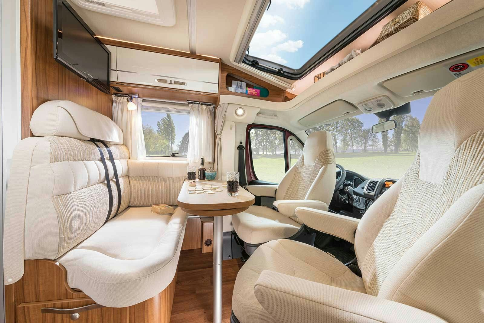 Hymer van seating group living room motorhome for Living room 4x4