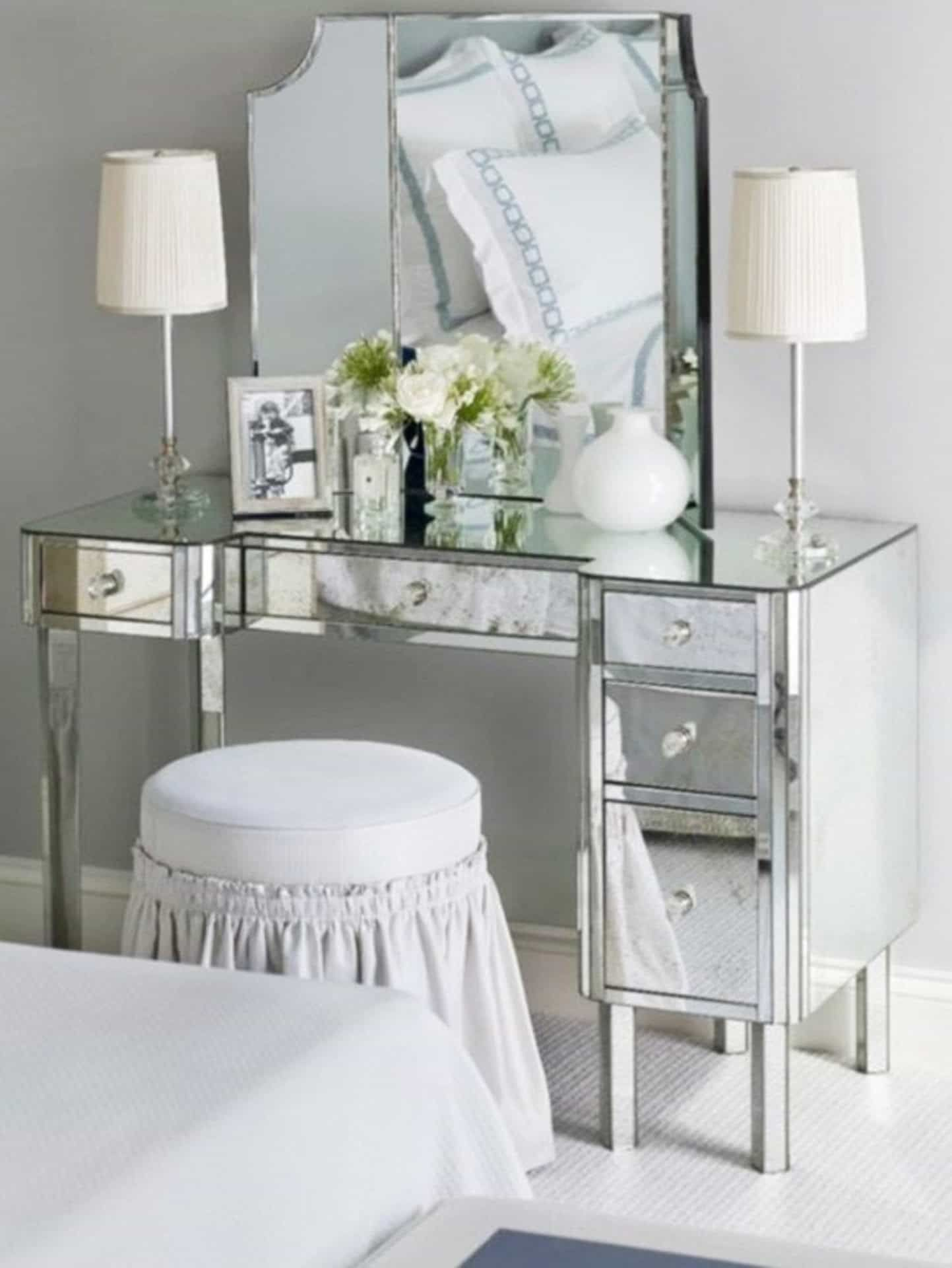Bedroom Vanity For Beautiful And Practical Addition ...
