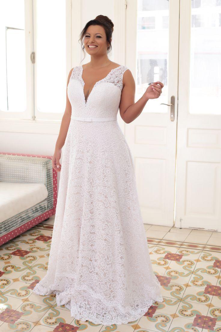 Designer wedding dresses plus size