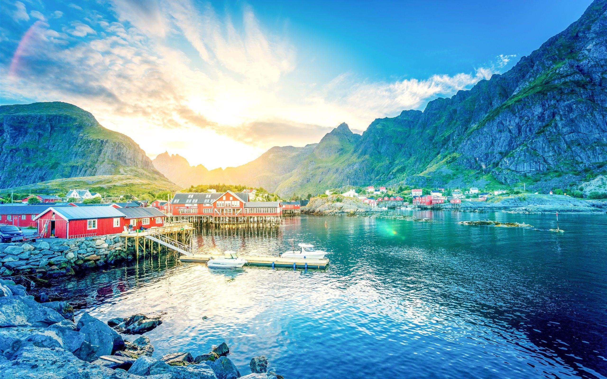 ノルウェー ロフォーテン 湖 山 渓谷 日の出 町 家 桟橋 ボート 壁紙 2560x1600 壁紙ダウンロード ロフォーテン諸島 日の出 ノルウェー