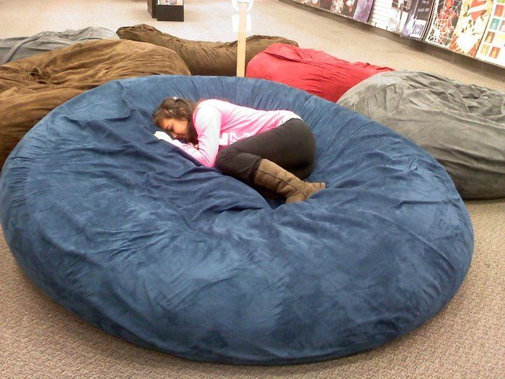 Huge Pillow Bed At Galleria Mall Best Thing Ever Best Bed Pillows Bed Pillows Comfy Bedroom
