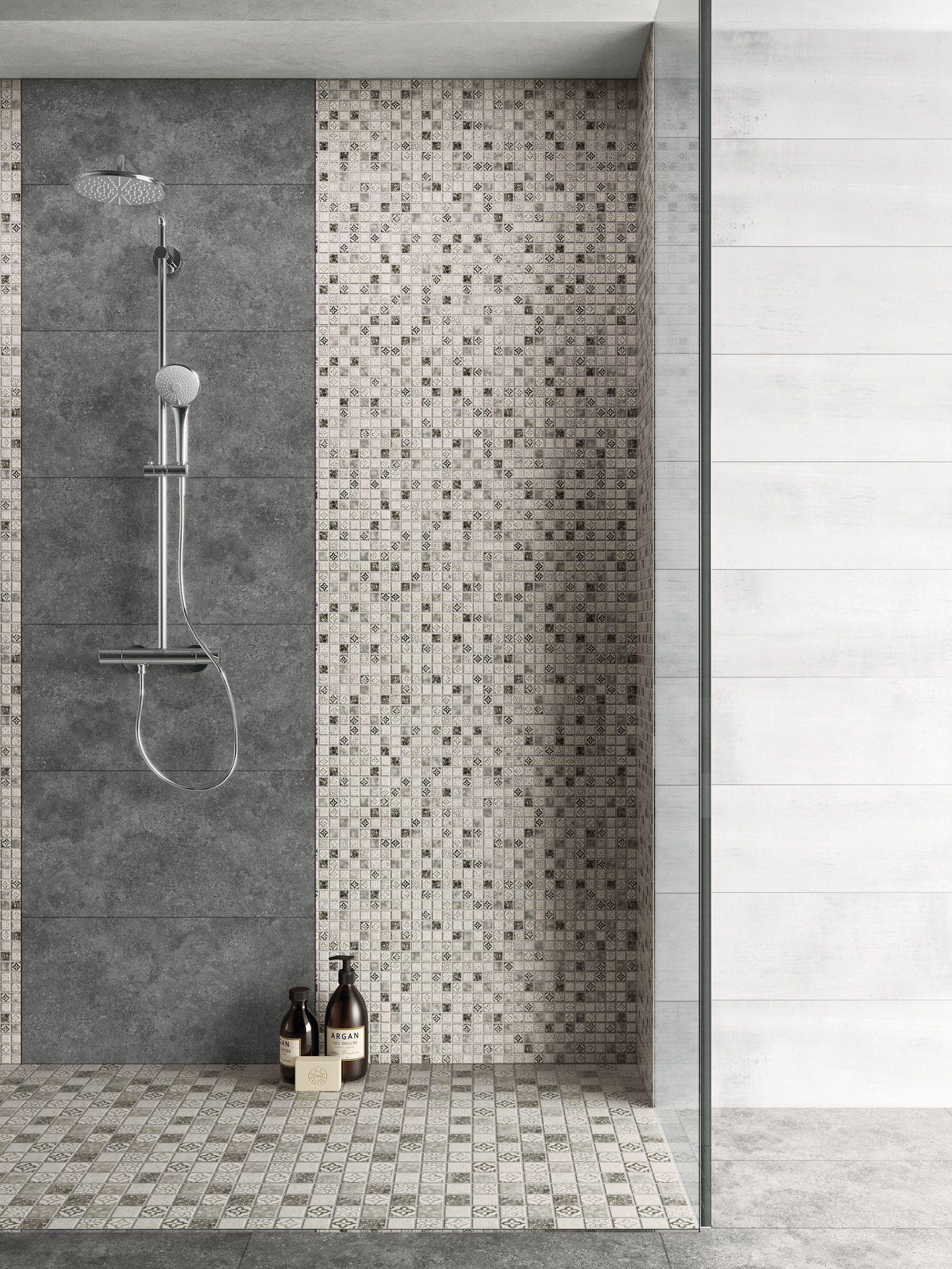 Mosaik Dusche In Mosaikoptik In 2020 Badezimmer Gestalten Dusche Fliesen