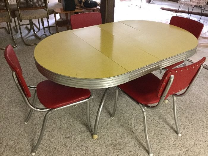 NET Vintage Chrome Base Formica Top Dining Table