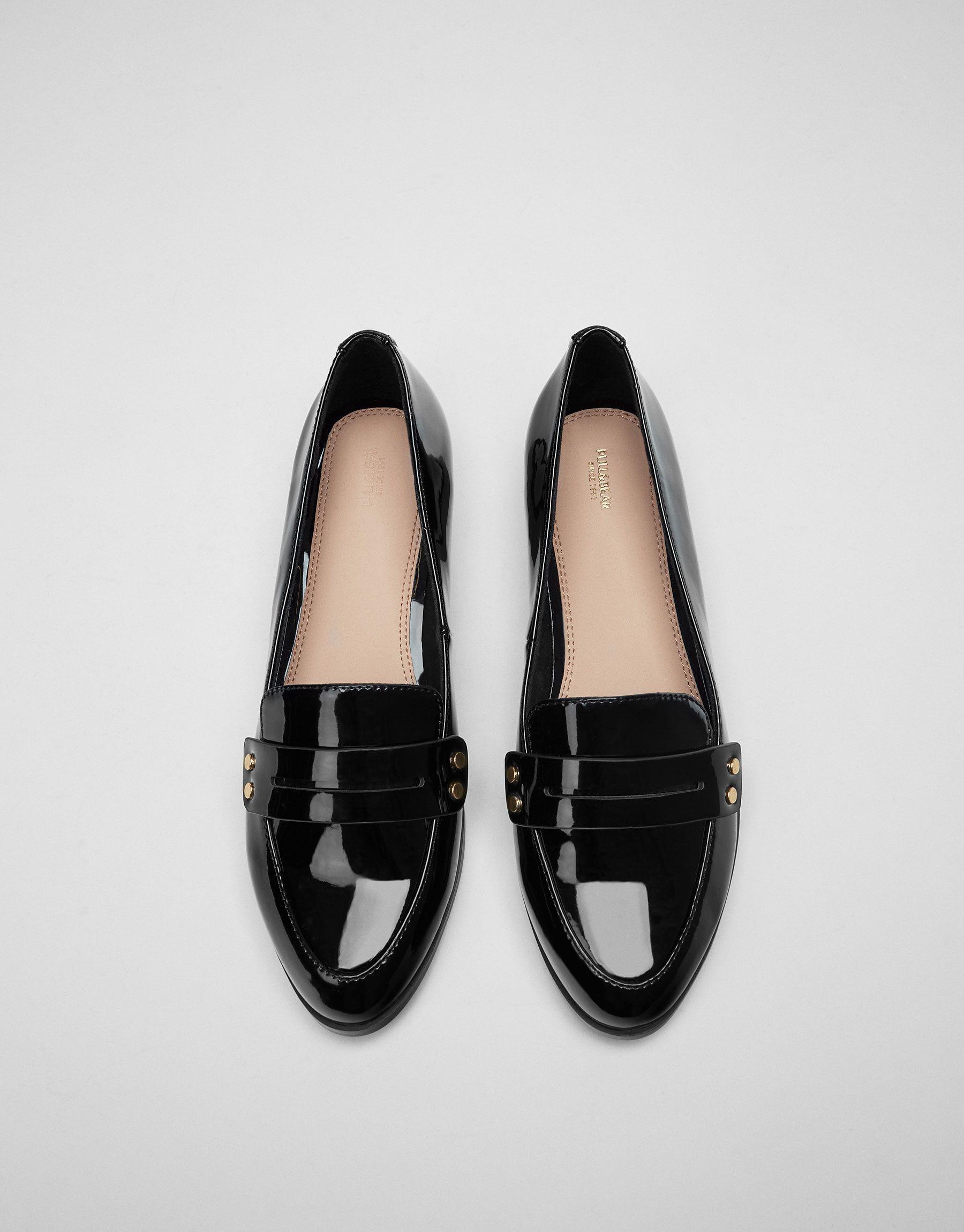 45f9e569 Loafer detalle tachas - Zapatos planos - Calzado - Mujer - PULL&BEAR México