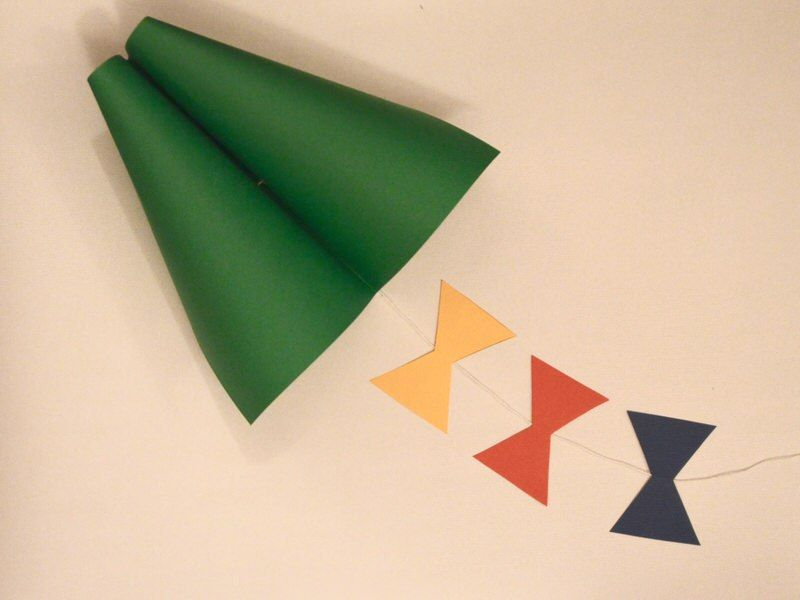 Easy Step By Step Instructions On How To Make A Kite Out Of Paper