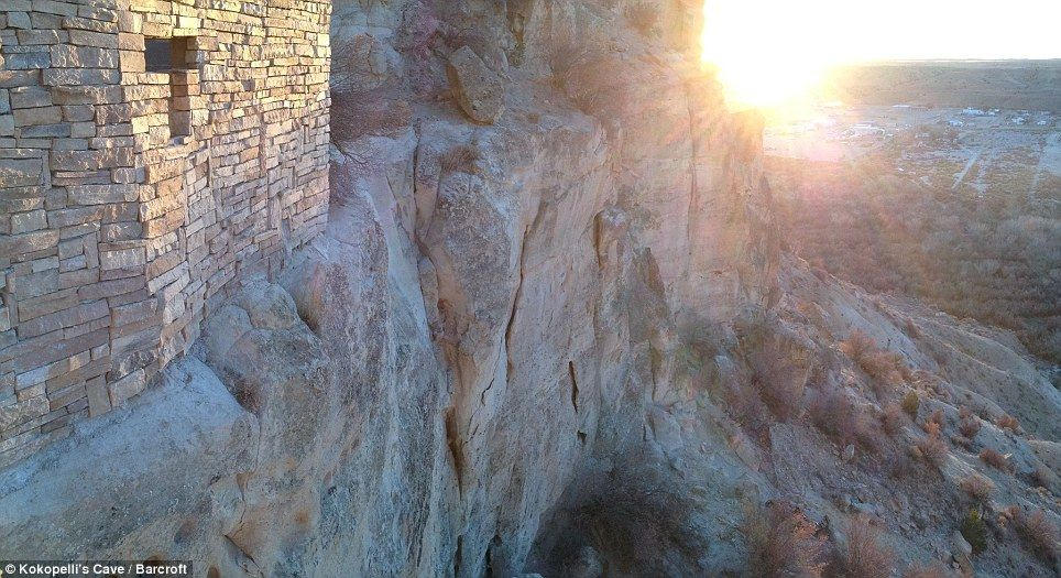 An Outside View Of Kokopelli S Cave Hotel In Farmington New Mexico Which Was Formed