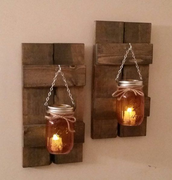 Palettenholz Fensterläden / Einmachglas Laternen / Paar / Rustikale Wandleuchte aus Holz   – Artesanías de madera