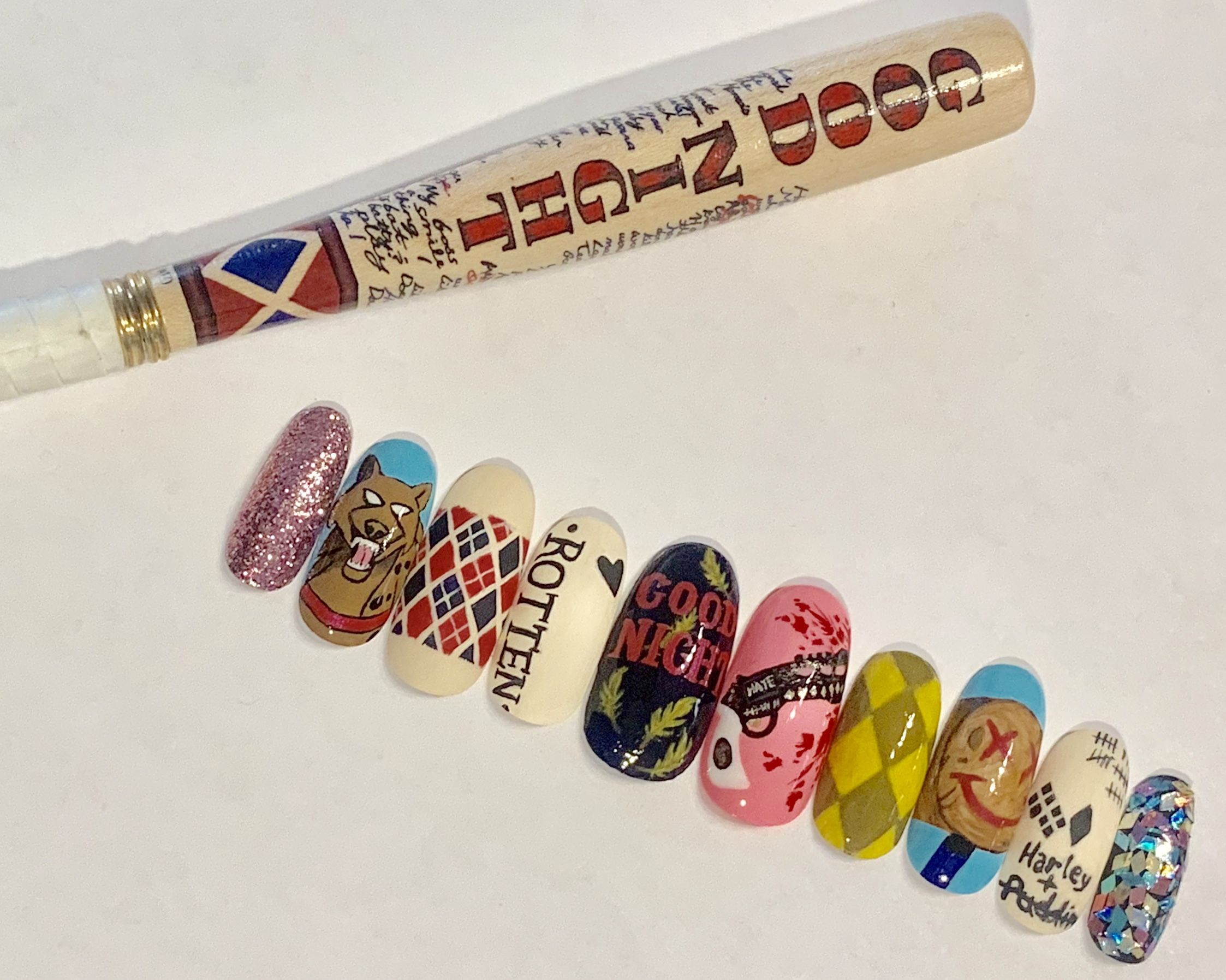 Pin On Pop Culture Faux Nails
