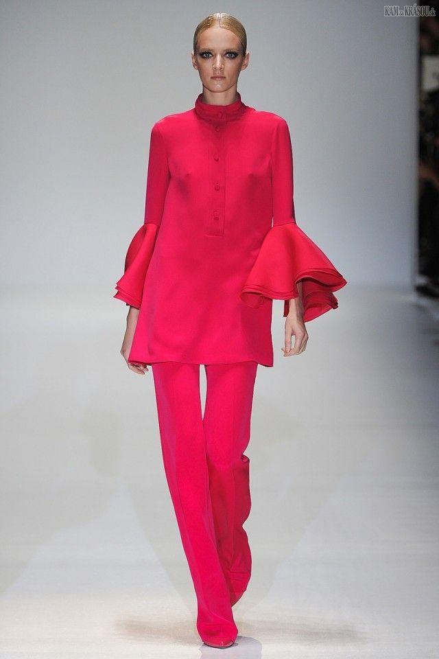 #fashion #temptacions #streetchicfashion #fashionista #streetstyle #accessories #ootd #complementosdemoda #primavera #cool #style #spanishbloggers #inspiracion #spring16 #fashionsbloggerstyle #romantica #moda #complementos #fashionblogger_at #fashionblogger_de #tendencia #fashionblog #fashionblogger #fashionbloggerstyle Gucci+-+FASHION+WEEK+v+Miláne