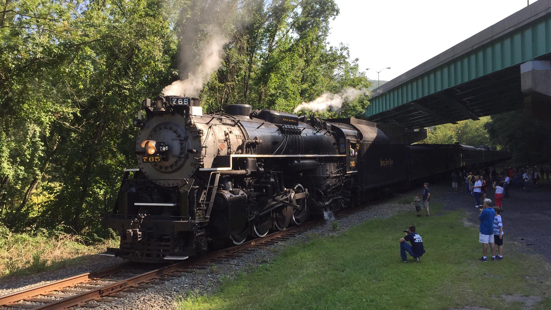 Railfest 2015 HD 60 FPS: NKP 765 Returns to Delaware Water Gap w ...