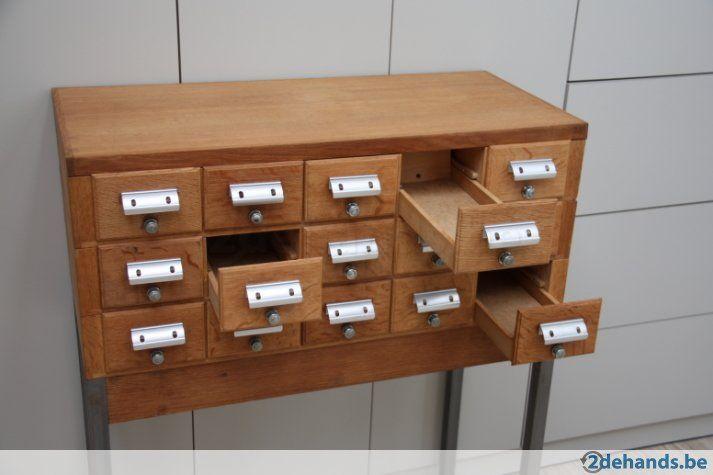 Kinderkamer Kasten Mostros : Vintage archiefkast van een bibliotheek met 15 schuifjes voor als