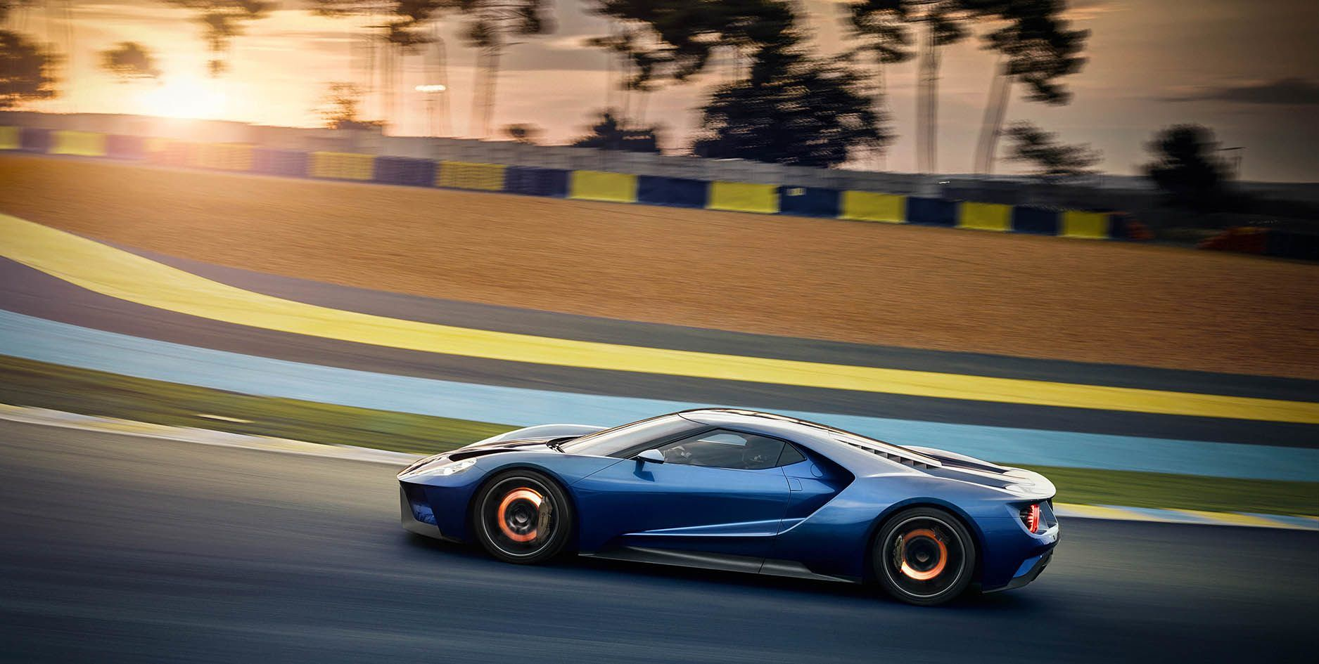 Glowing Carbon Ceramic Brakes On The Ford Gt
