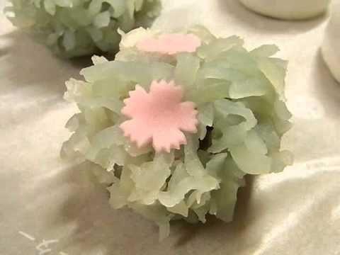 ▶ 夏の上生菓子 和菓子 田町梅月 japanesesweets wagashi summer - YouTube