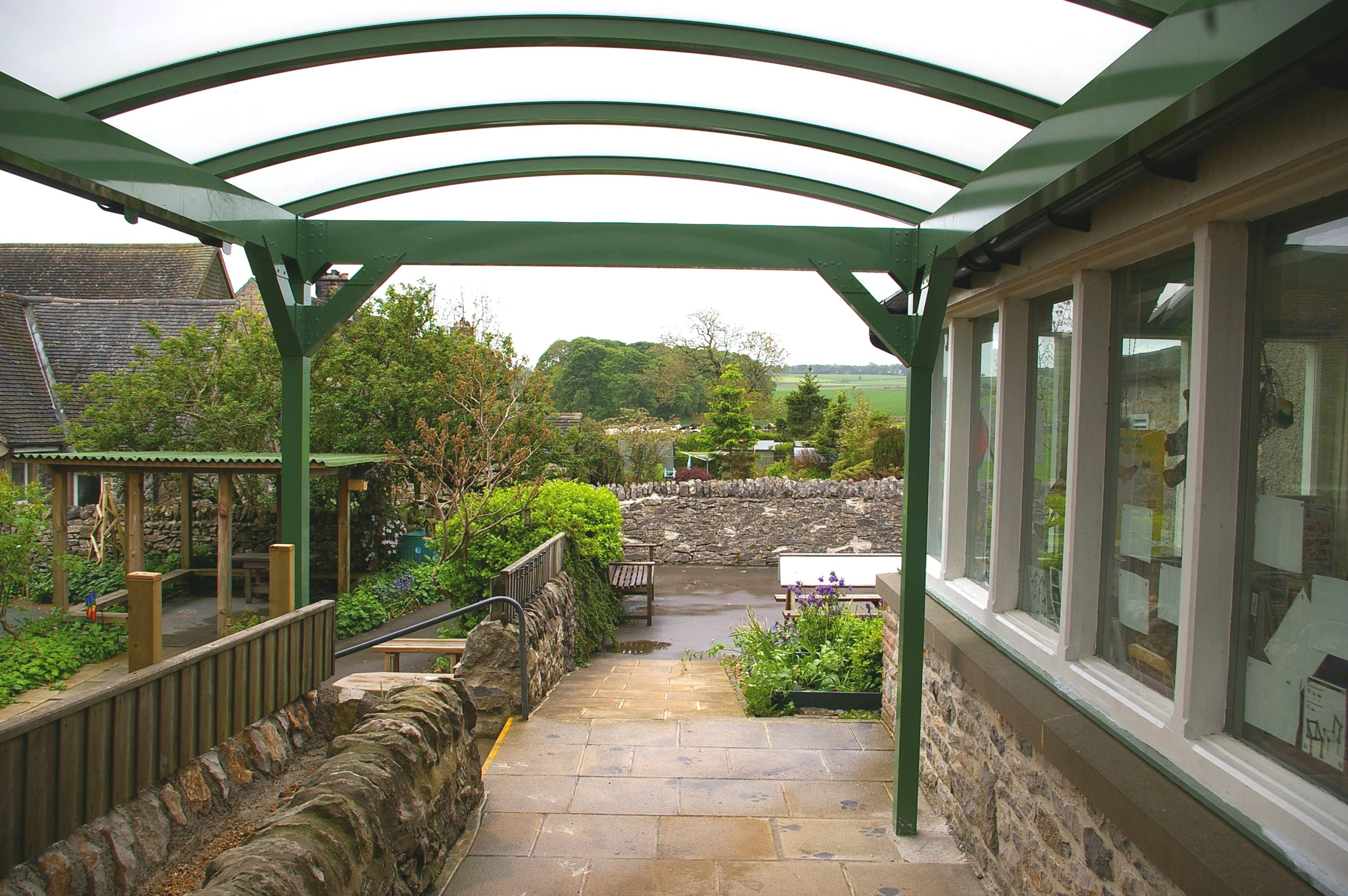 Flagg_School_Entrance_Canopy_Derbyshire.JPG (3008×2000)