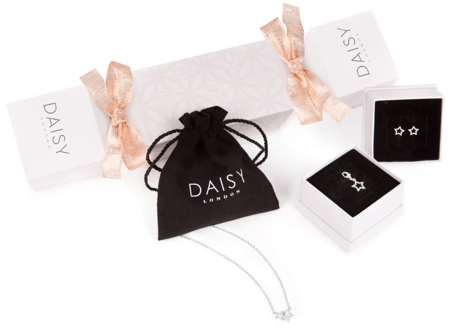 Daisy London Silver Christmas Cracker Gift Set - Daisy London Christmas Jewellery Collection #daisylondon #jewellery #style #christmas #gift #inspo #giftguide #giftsforher