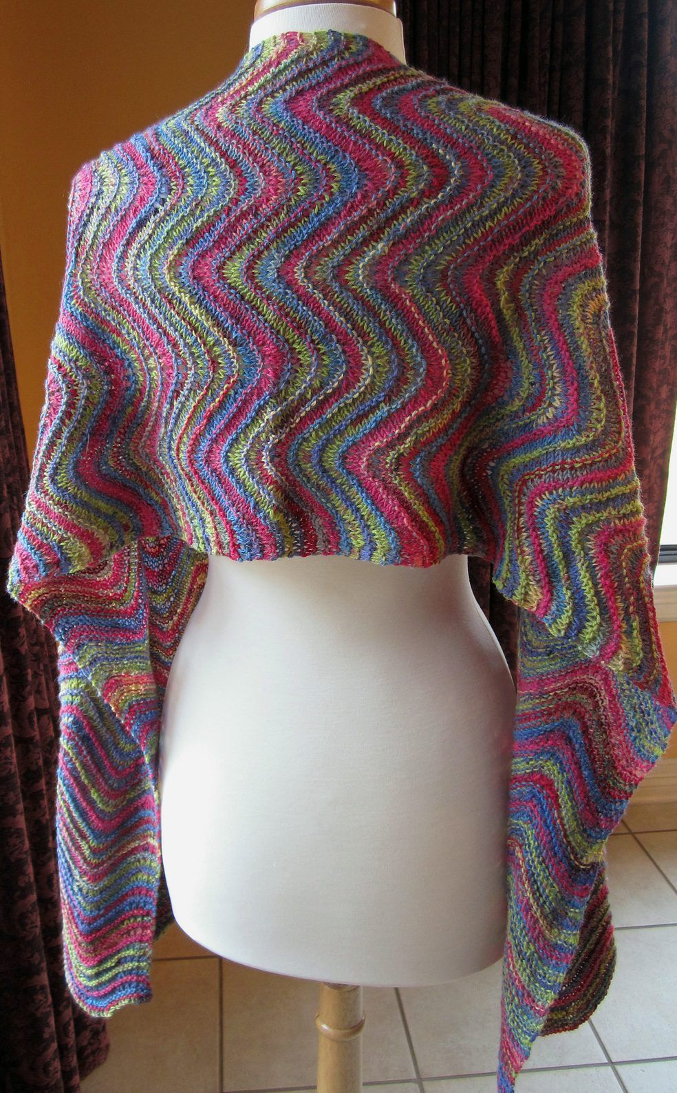 Free knitting pattern for Easy Feather and Fan Shawl - The ...