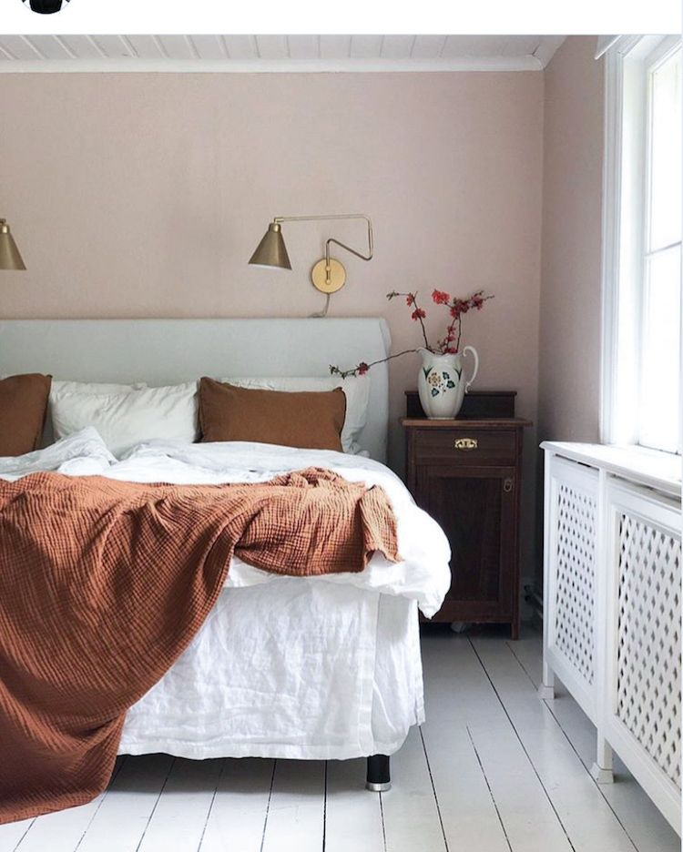 My Scandinavian Home Step Inside An Idyllic Swedish Country Home On A Hill White Pink And Dark Brown Bedr Home Decor Cosy Bedroom Decor Dark Brown Bedrooms