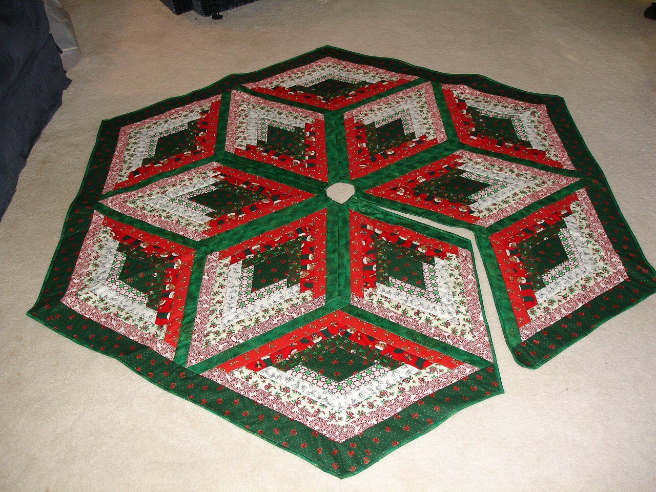 Free Big Block Quilt Patterns | Free Quilt Projects from ... : christmas tree skirt pattern quilt free - Adamdwight.com