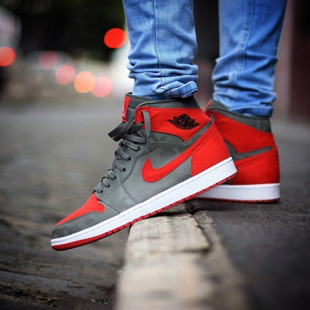 Air Jordan 1 Retro High Premium 3m Camo Sneakers With