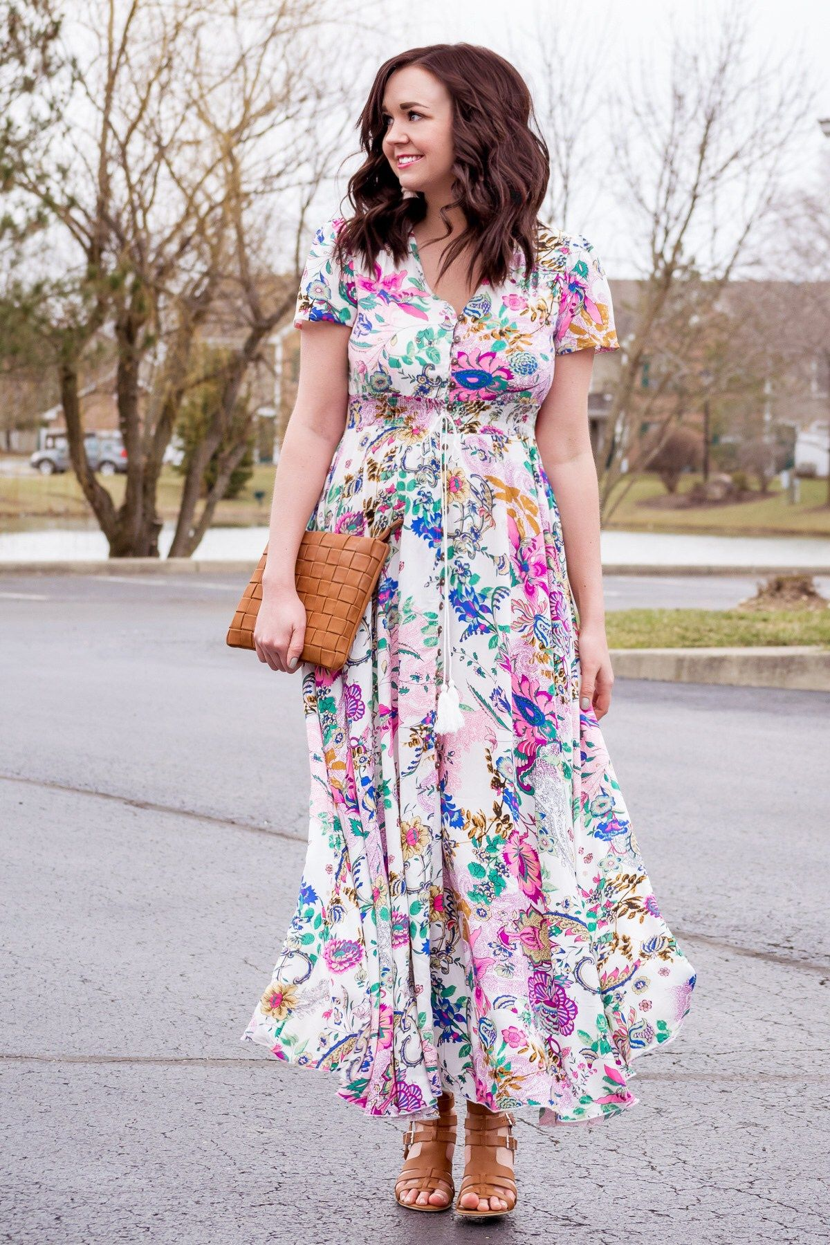 17654a4cb67546 An Affordable Floral Print Maxi Dress for Spring
