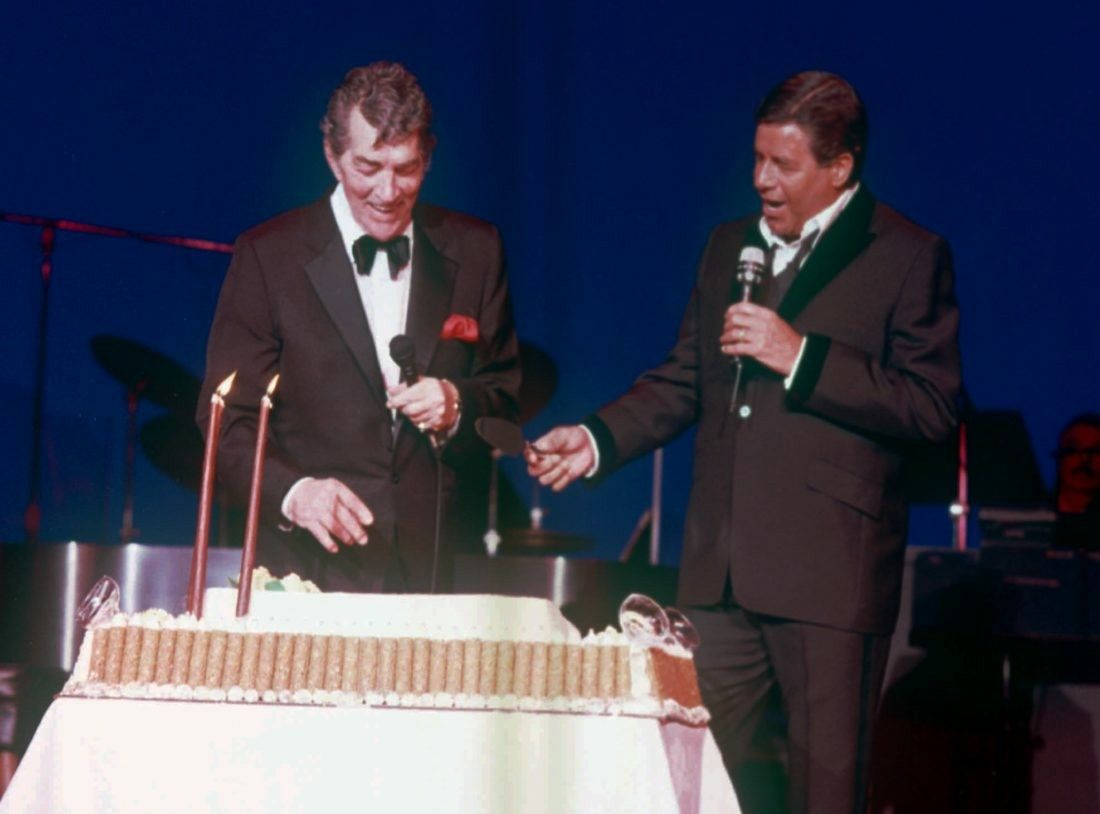 Jerry Lewis, 1989, presenting Dean Martin with a cake for Dean's ...