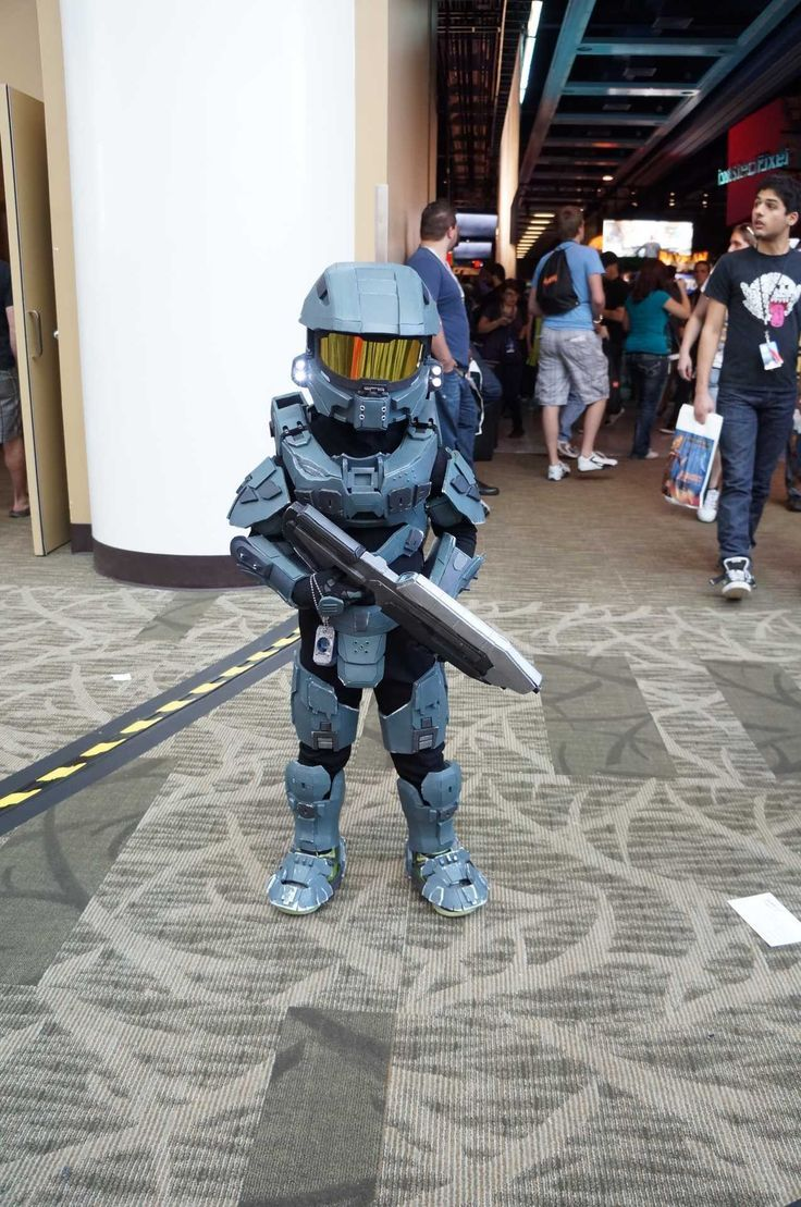 Lil Master Chief Halo. & Lil Master Chief Halo. | Growing Up Geek | Pinterest | Master chief ...