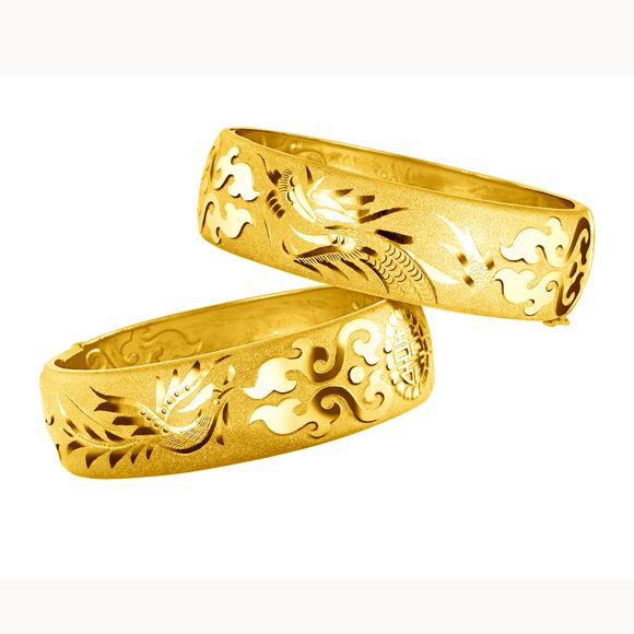 Traditional Chinese Wedding  Gold Bangles by Luk Fook Jewellery   Dragon  Phoenix Bangles