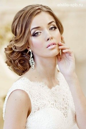Фото шикарной свадебной прически 55