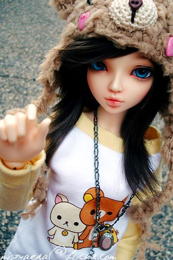 BJD with blue eyes