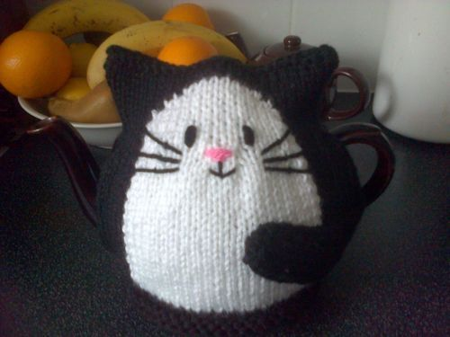 Hand Knitted Small Black Cat Tea Cosy For One Person 2 Cup Teapot