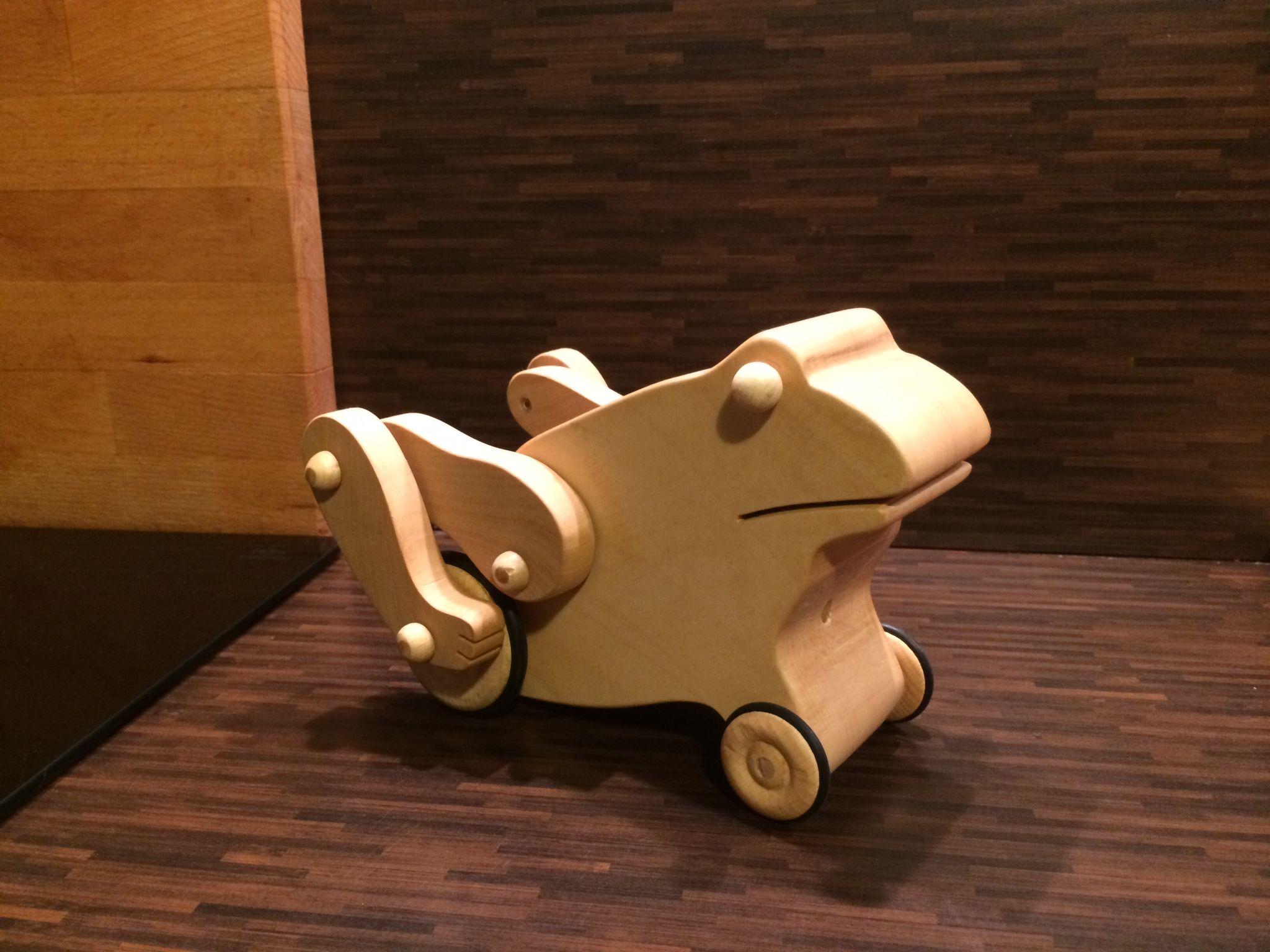 kinder spielzeug h pfender frosch bauanleitung zum selber bauen div pinterest. Black Bedroom Furniture Sets. Home Design Ideas