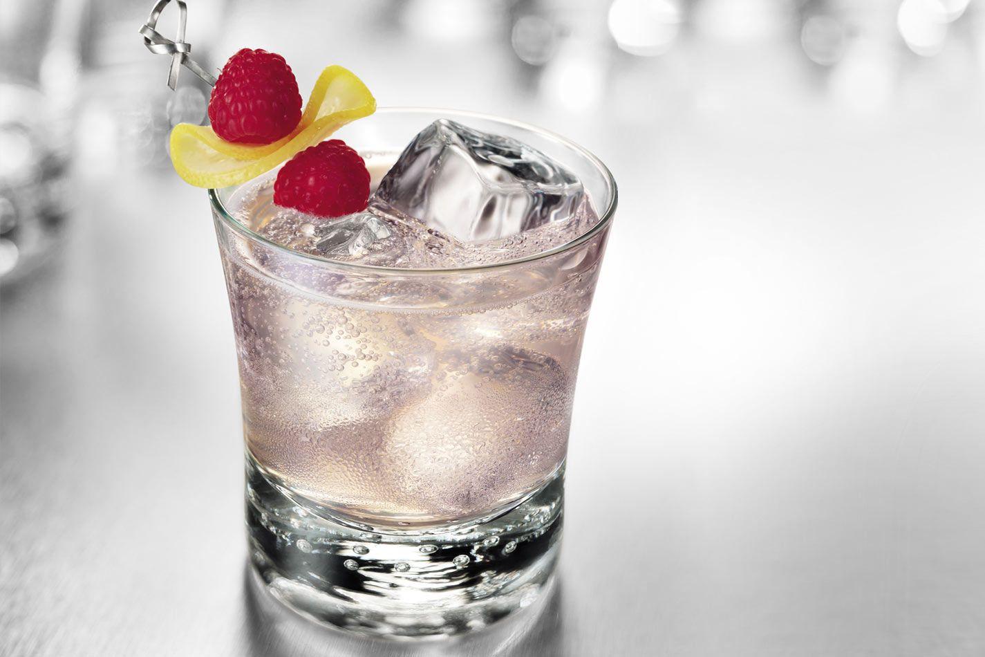 Smirnoff Strawberry Carbs: 7 Best Low-Sugar Spiked Seltzer