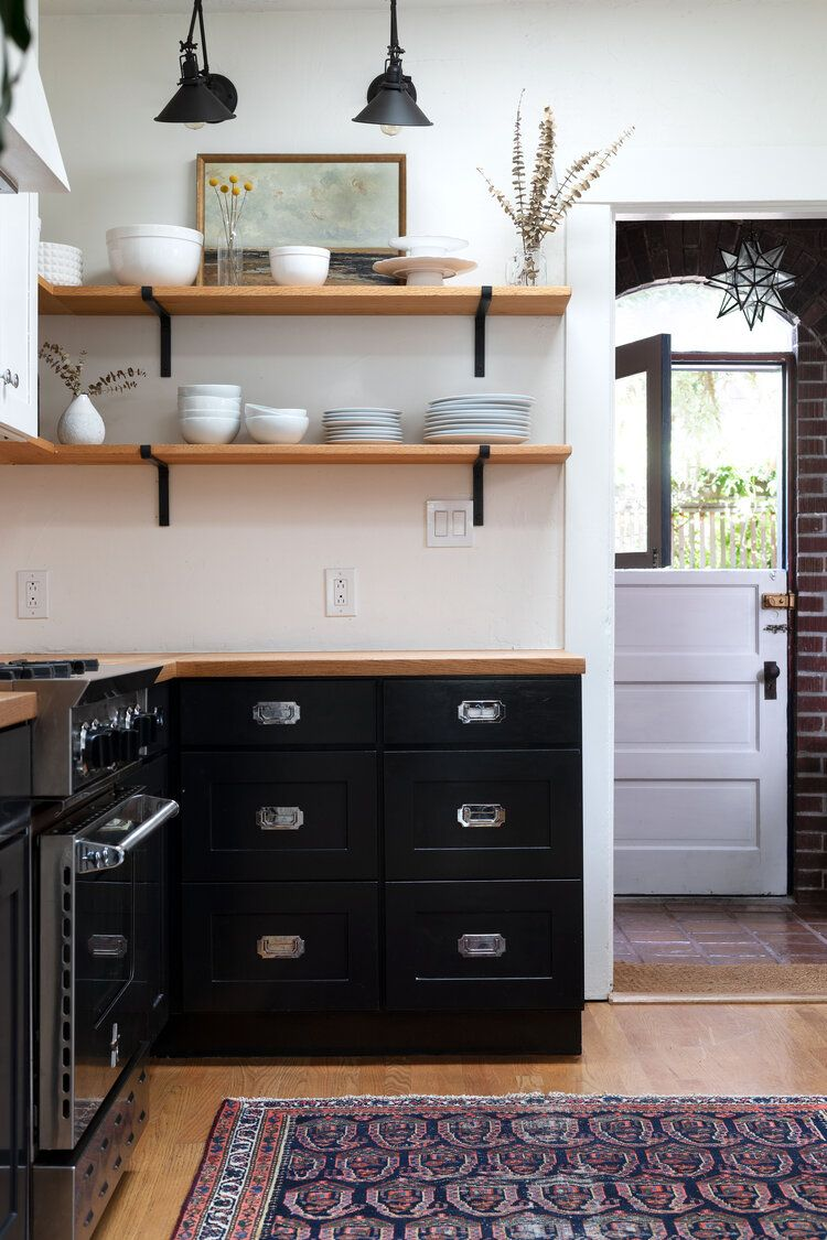 5 Kitchens Where Shaker Pegs Stole The Show Other Spots To Put These Classic Pegs The Grit And Polish In 2020 Dexter House Historic Home House Tours