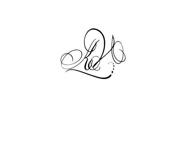 Calligraphie Tatouage Lettres Entrelacees Kv Tatoo Tattoos