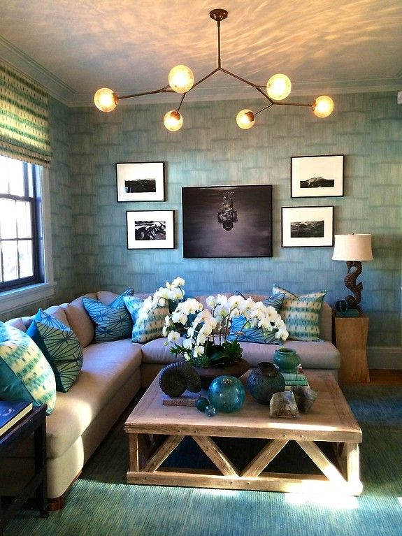 http://www.phillipjeffries.com/gallery/showhouses/443-2014_hamptons_holiday_house.html