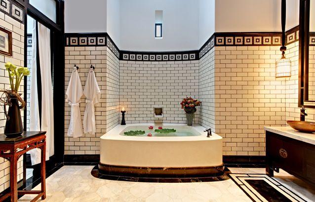 Dreamy Bath Nook Art Deco Luxury Classic Art Deco Style Wraps This Large Bath Tub In A Subway Til Art Deco Bathroom Bathroom Interior Design Bathroom Design