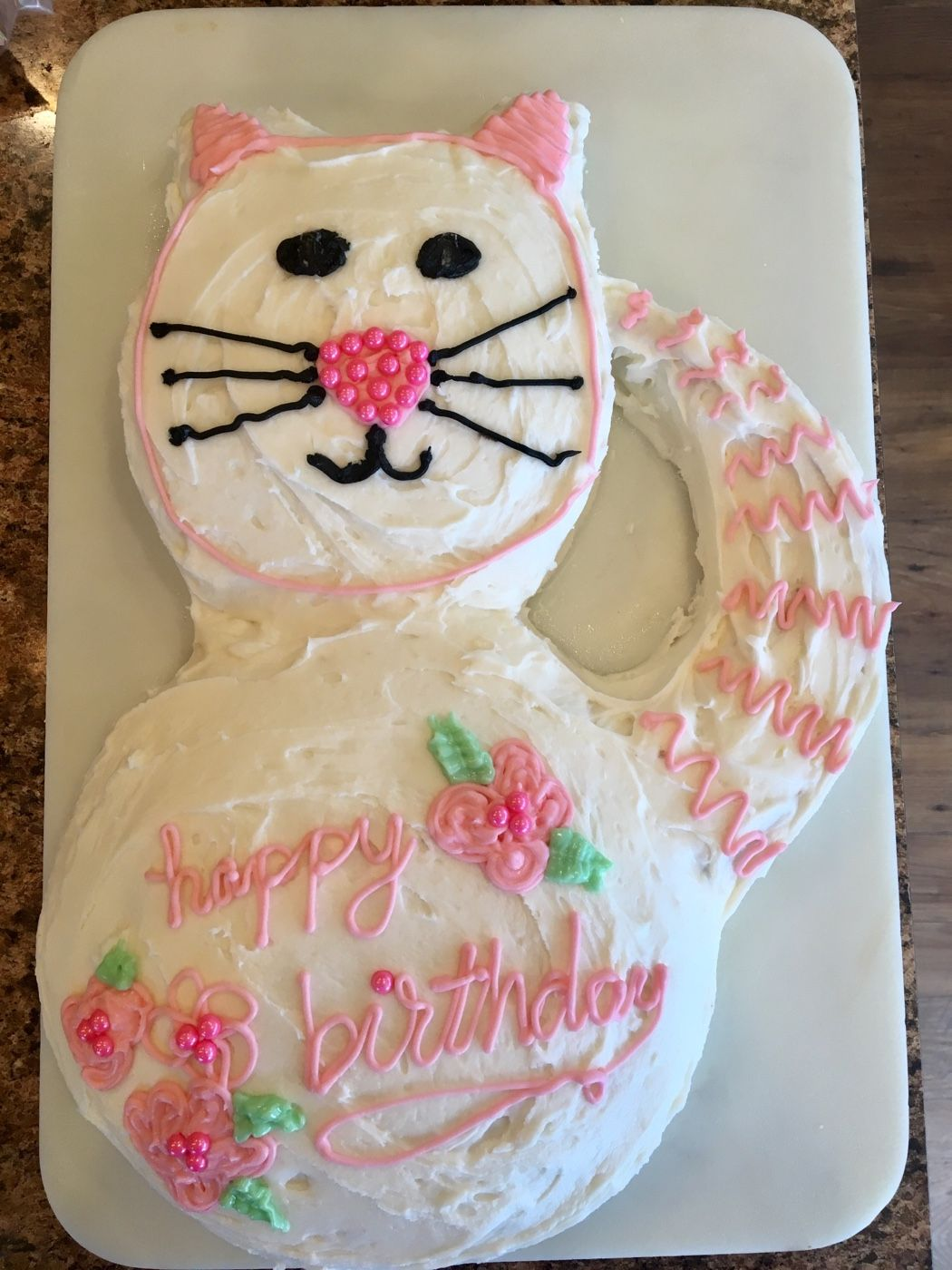 How to make an easy kitty cat cake from a box mix and
