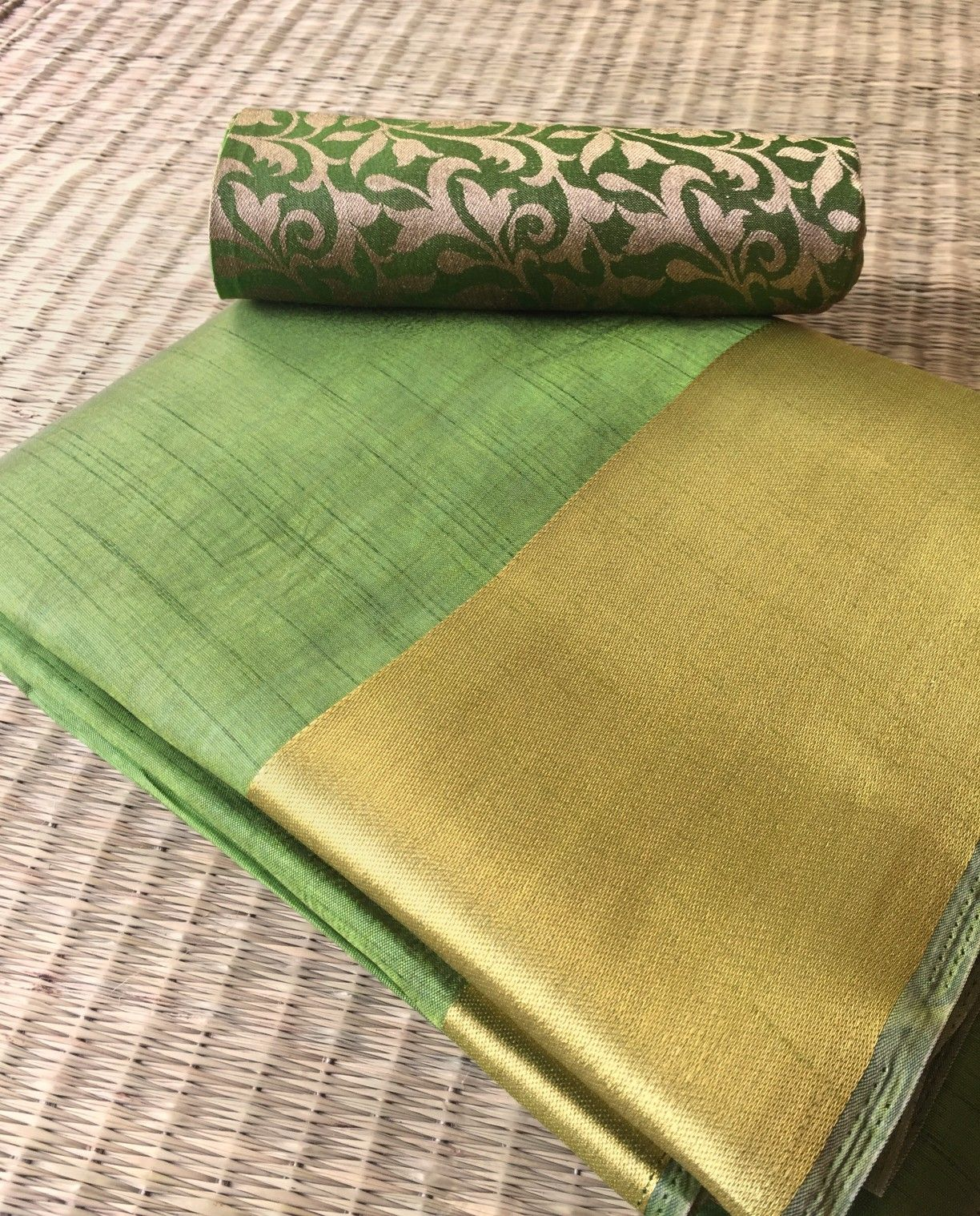1d3e1fa2d71e81 Semi Tussar Silk Saree with Brocade Blouse - Green. Only on Kraftberry.in