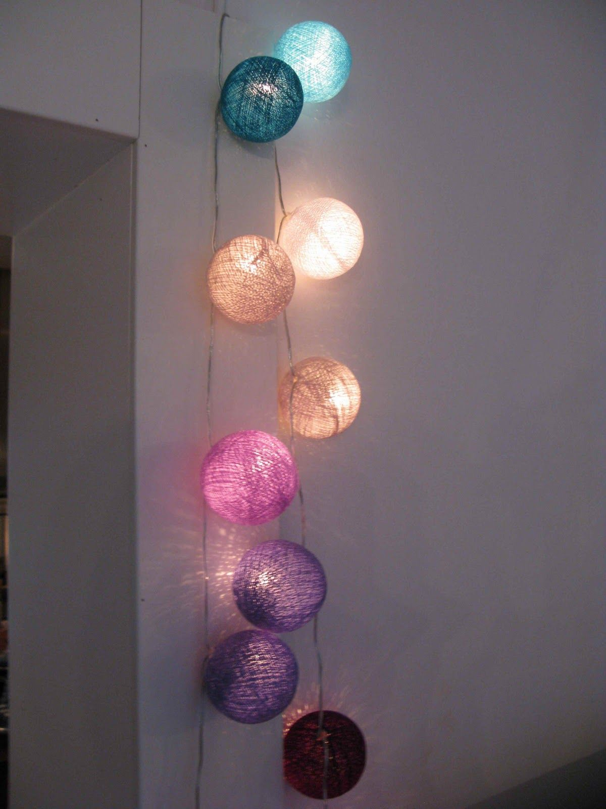 la case de cousin paul things ball lights fairy. Black Bedroom Furniture Sets. Home Design Ideas