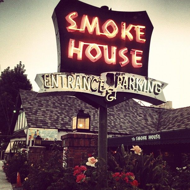 Smoke House Restaurant In Burbank Ca Has Arguably The Best Brunch