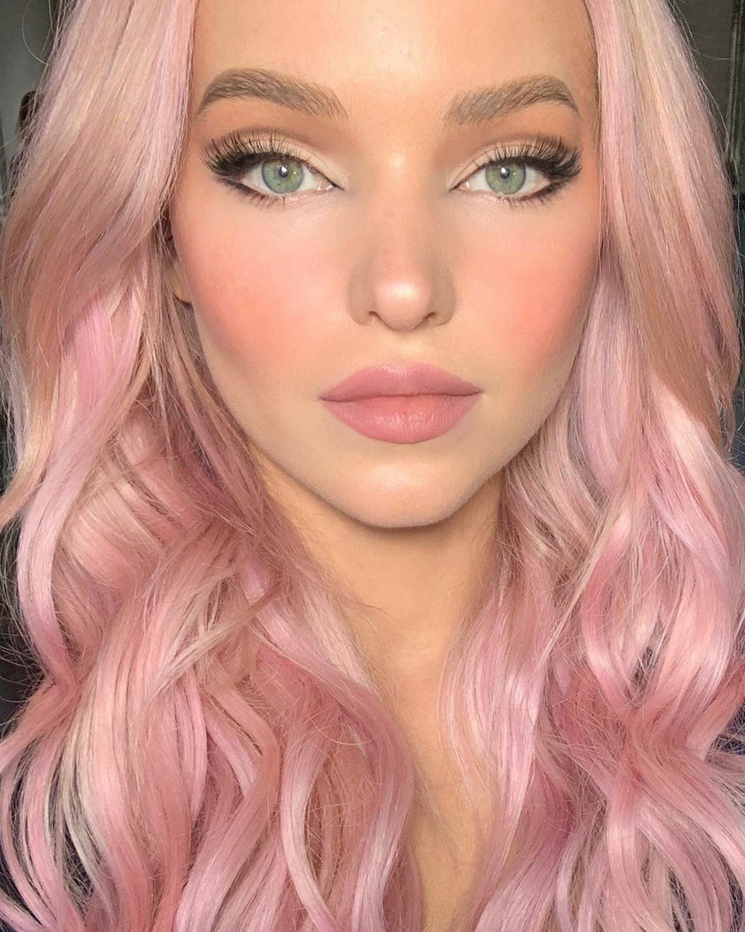 Pin By Victoria On Hair Ideas With Images Cameron Hair Dove Cameron Style Pink Hair
