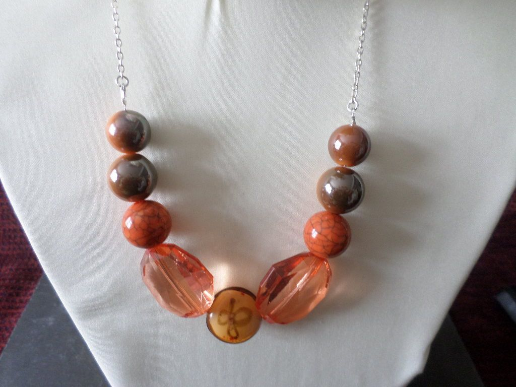 Necklace & Earrings by Charmmagpie on Etsy