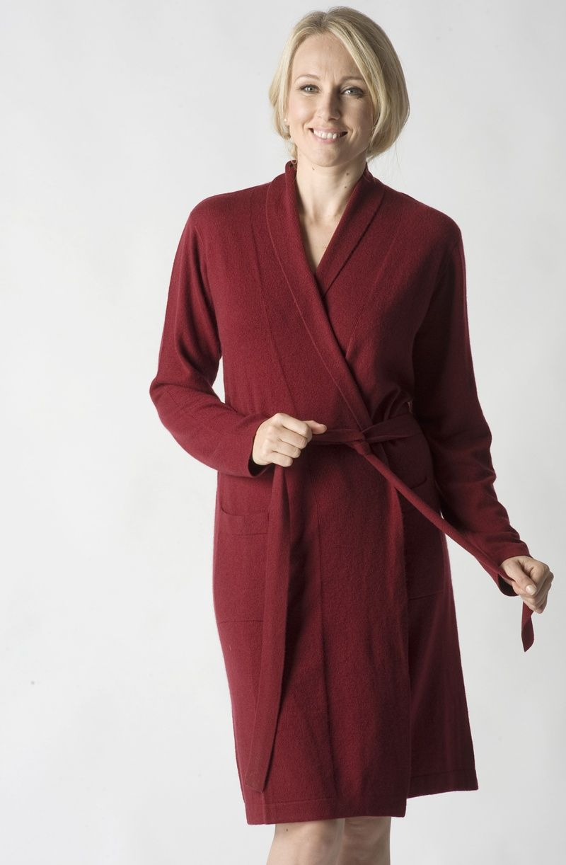 Short Cashmere and Wool Dressing Gown in Garnet Red SIZE SMALL ...