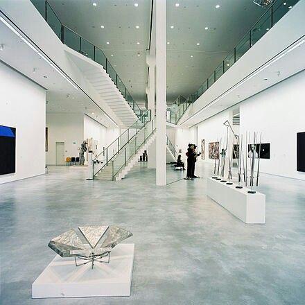 Berlinische Galerie Delstatsmuseum For Moderne Kunst Fotografi Og Arkitektur Befinner Seg Ikke Langt Fra Judisches Museum Moderne Kunst Arkitektur Moderne